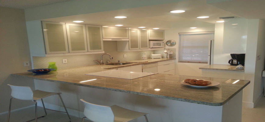 Palm-Aire-Kitchen---White-Cabinets