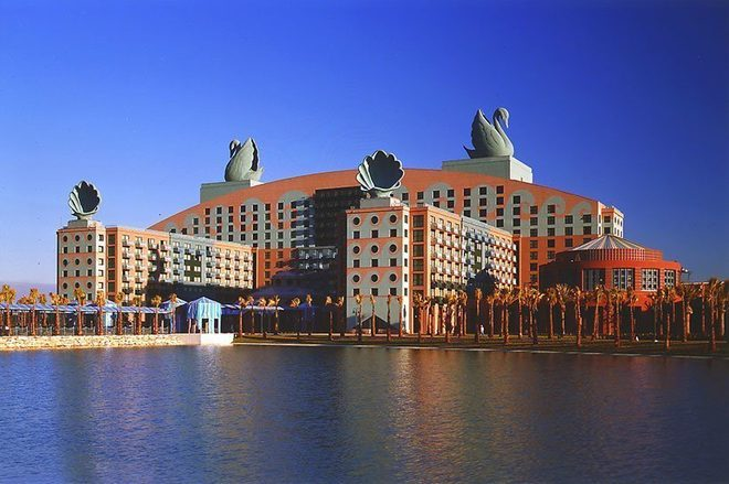 Swan Resort at Walt Disney World · Michael Graves Architecture & Design
