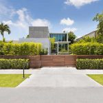 Miami Mansion: Sleek style and Design Ideas for your home
