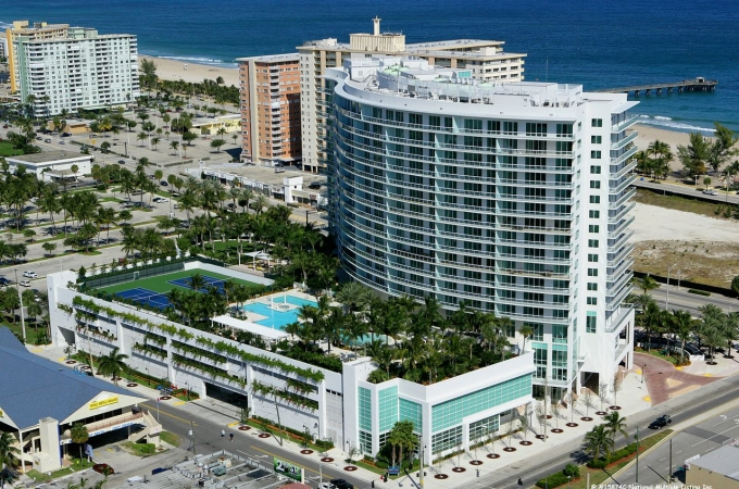 plaza-oceanside-condos