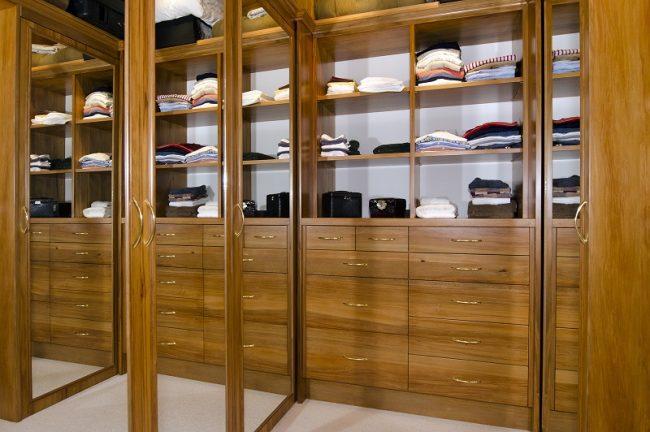 wardrobe - walk in