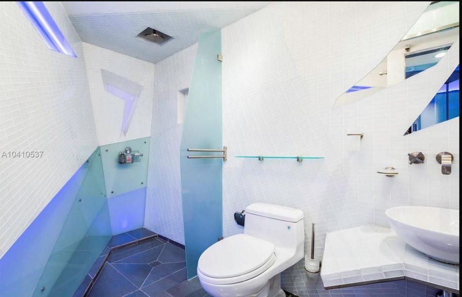 lenox loft condo bathrom